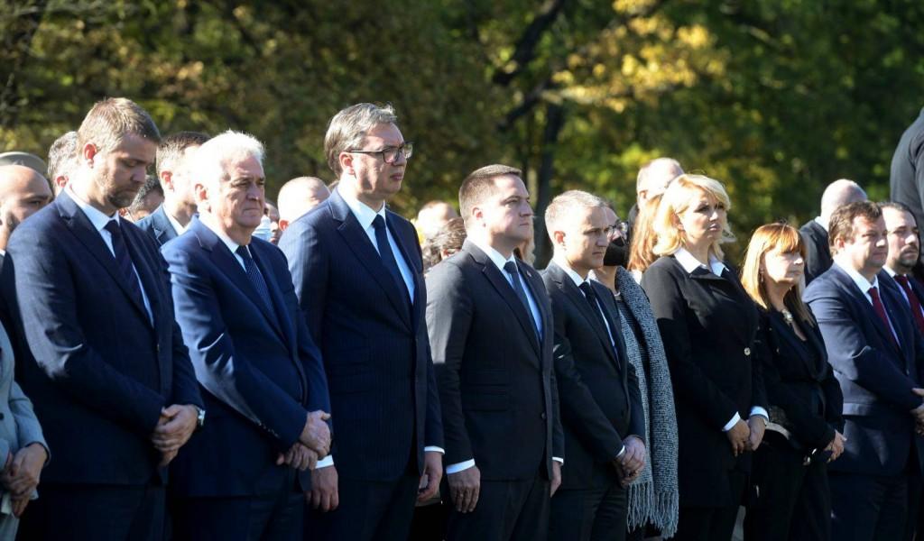 Председник Вучић предводио церемонију Дана сећања на жртве у Другом светском рату