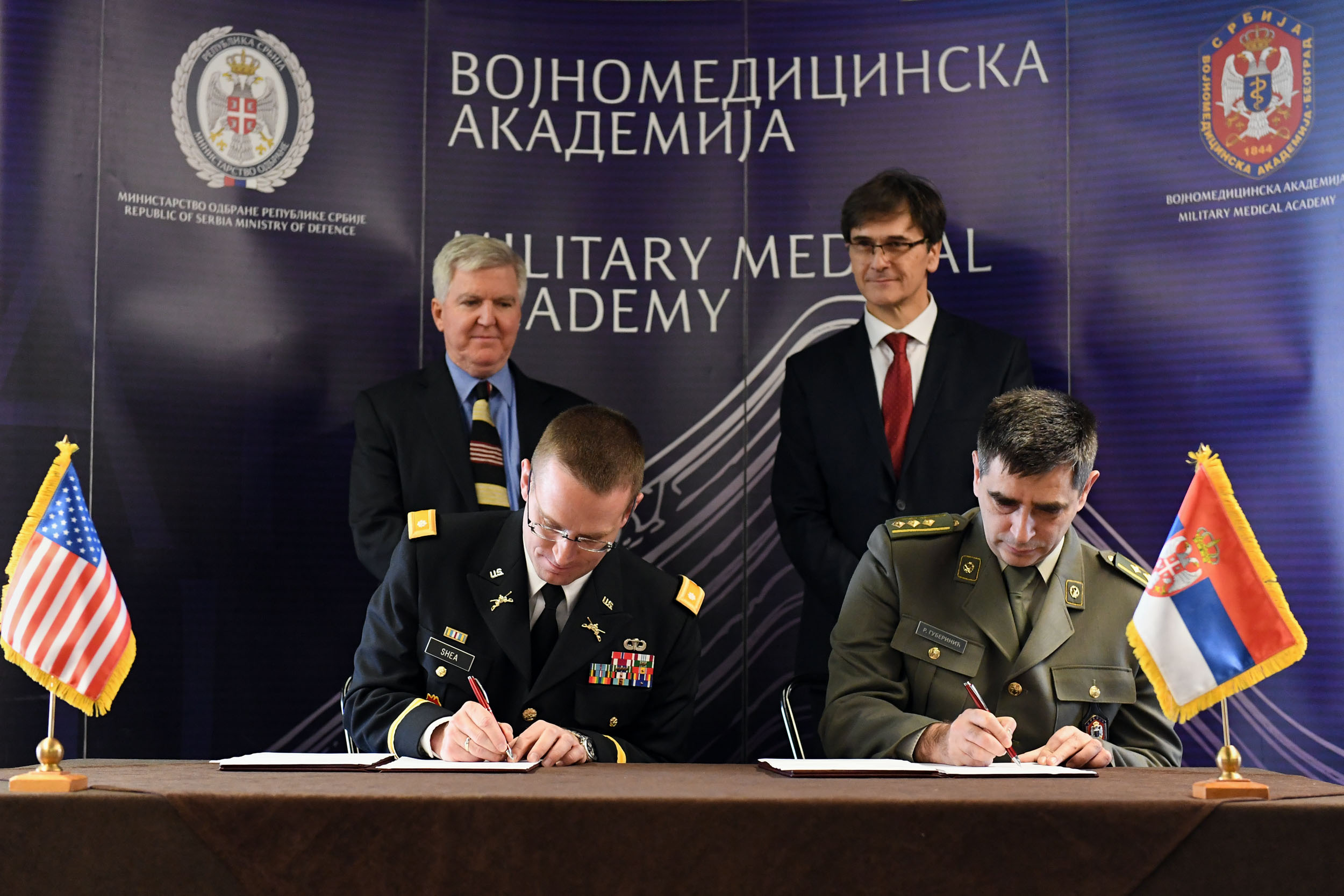 Signing the donation agreement at the mma ministry of defence signing the donation agreement at the mma platinumwayz