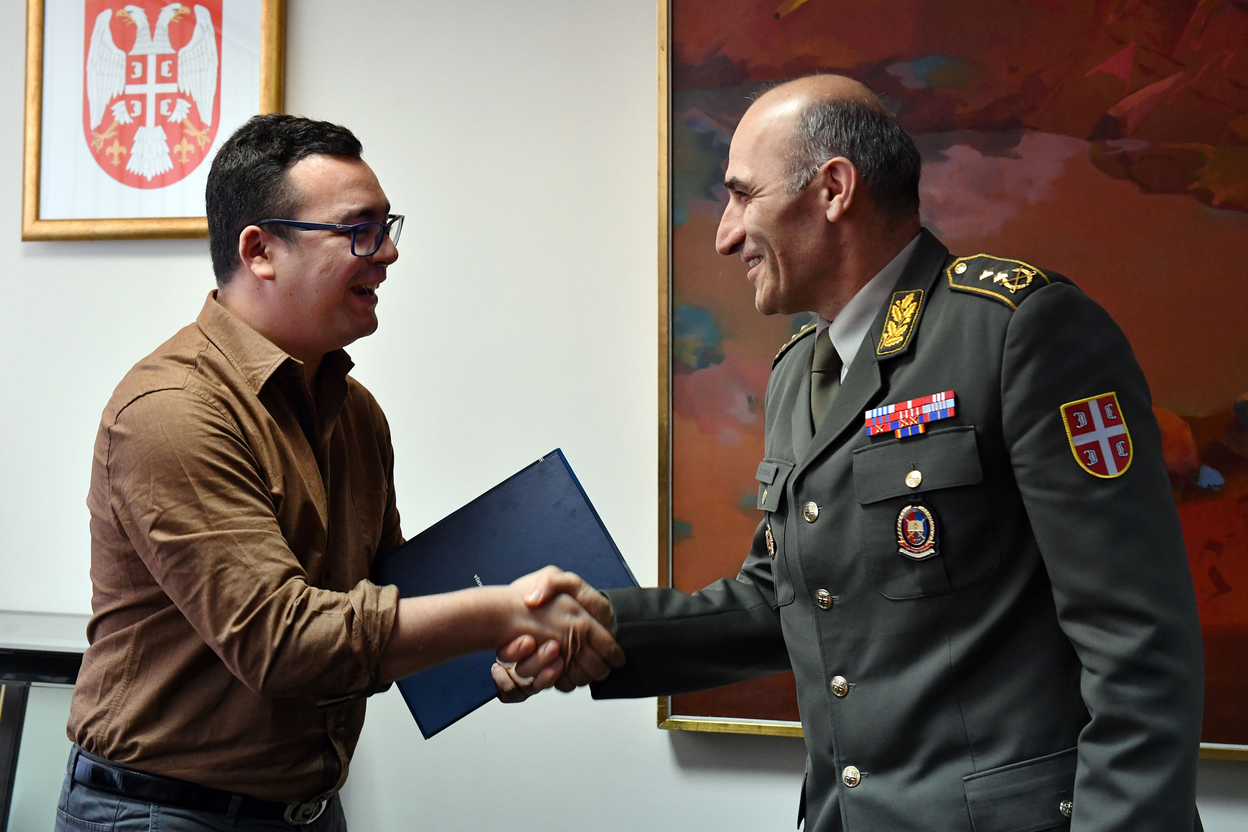 الجزائر : صلاحيات نائب وزير الدفاع الوطني - صفحة 14 Ban_9423_1490965292
