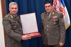 Златне плакете за пензионисане генерале