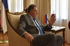 Министар Вулин: Никаква војска неће стати између Србије и Српске