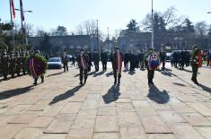 Делегација Министарства одбране и Војске Србије положила венце поводом Дана бранилаца отаџбине