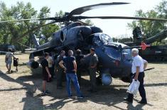 Brojni posetioci na prikazu naoružanja i vojne opreme na Ušću