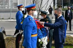 Minister Stefanović and General Wei Fenghe lay wreaths at Memorial to Chinese reporters killed in NATO bombing