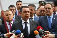 """Министар Вулин: У """"Јумко"""" веровао само Александар Вучић"""