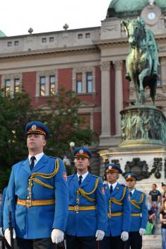 Почасна артиљеријска паљба и егзерцир Гарде поводом Дана Војске Србије