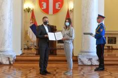 Minister Stefanović hands over 22 employment contracts