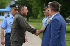 """Министар Вулин обишао радове на војно-цивилном аеродрому """"Морава"""""""