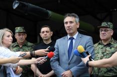 Ministar Vulin u obilasku 4. brigade Kopnene vojske