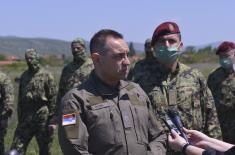 Ministar Vulin: Pripadnici 63. padobranske brigade, sigurni i sposobni, opremljeni i u stanju da ispune bilo koji zadatak koji se stavi pred njih