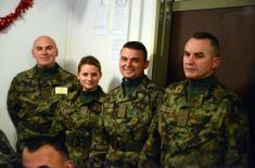 Министар одбране и начелник Генералштаба са припадницима Војске Србије у КЗБ