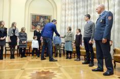 Премијер Вучић примио пуковника Зорана Стојиљковића са породицом