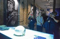 "Representatives of Commissariat for Refugees and Migration at ""Defense 78"" exhibition"