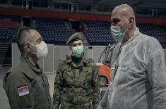 Министар Вулин у Штарк арени: Сви припадници војске дају све од себе да помогну својој земљи сада када је то најпотребније