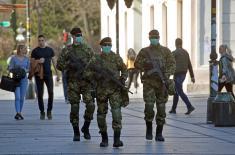 Војска Србије обезбеђује граничне прелазе, прихватне центре и болнице