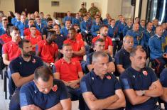 "Првотимци фудбалског клуба ""Црвена звезда"" у Гарди и 204. ваздухопловној бригади"