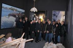 """Породице палих бораца у НАТО агресији и ветерани из Црне Горе посетили изложбу """"Одбрана 78"""""""