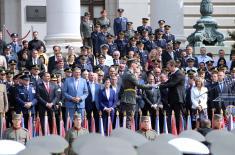 Председник Вучић: Најмлађи официри – ешелон слободе и суверенитета наше отаџбине