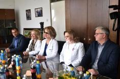 Министар Вулин: Захвални смо цивилном здравству за помоћ Војсци Србије