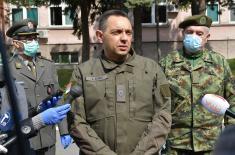 Ministar Vulin u VMC Karaburma: Ispunili smo naređenje vrhovnog komandanta, za 10 dana uspostavili bolnicu