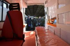 """Министар Вулин: """"Застава ТЕРВО"""" донирала војсци ново санитетско возило које је завршено за 15 дана"""