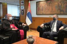 Састанак министра Стефановића са београдским надбискупом Хочеваром