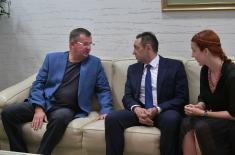 Обострано задовољство посетом министра одбране Белорусије