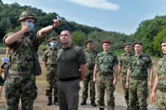Министар Вулин: Ово је највећи одзив за добровољно служење војног рока у протеклих пет година