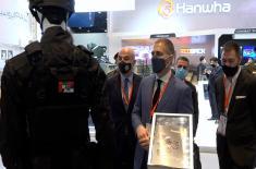 Министар Стефановић на Сајму наоружања у Уједињеним Арапским Емиратима