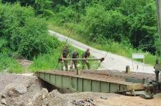 Војска Србије поставила мост у општини Мали Зворник