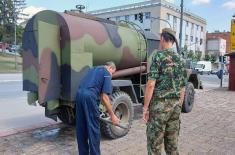 Војскa Србије наставља да помаже у водоснабдевању угрожених општина