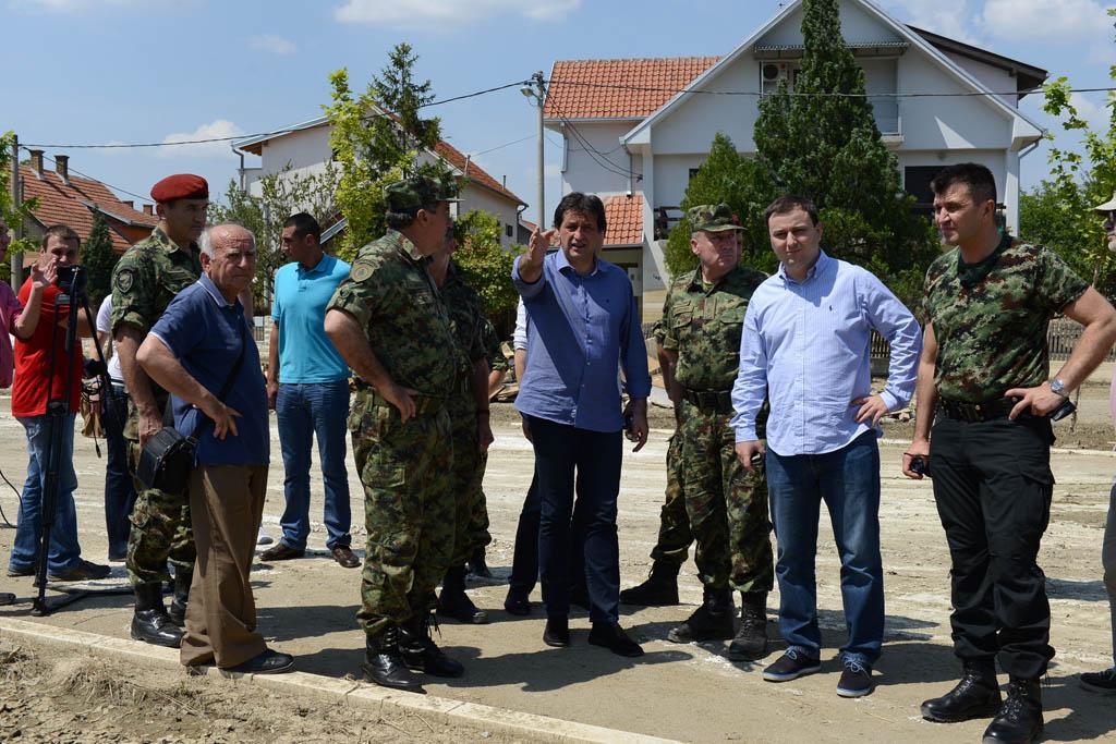 Ministar odbrane Gasic u Obrenovcu - Izvor: Uprava za odnose sa javnoscu Ministarstva odbrane