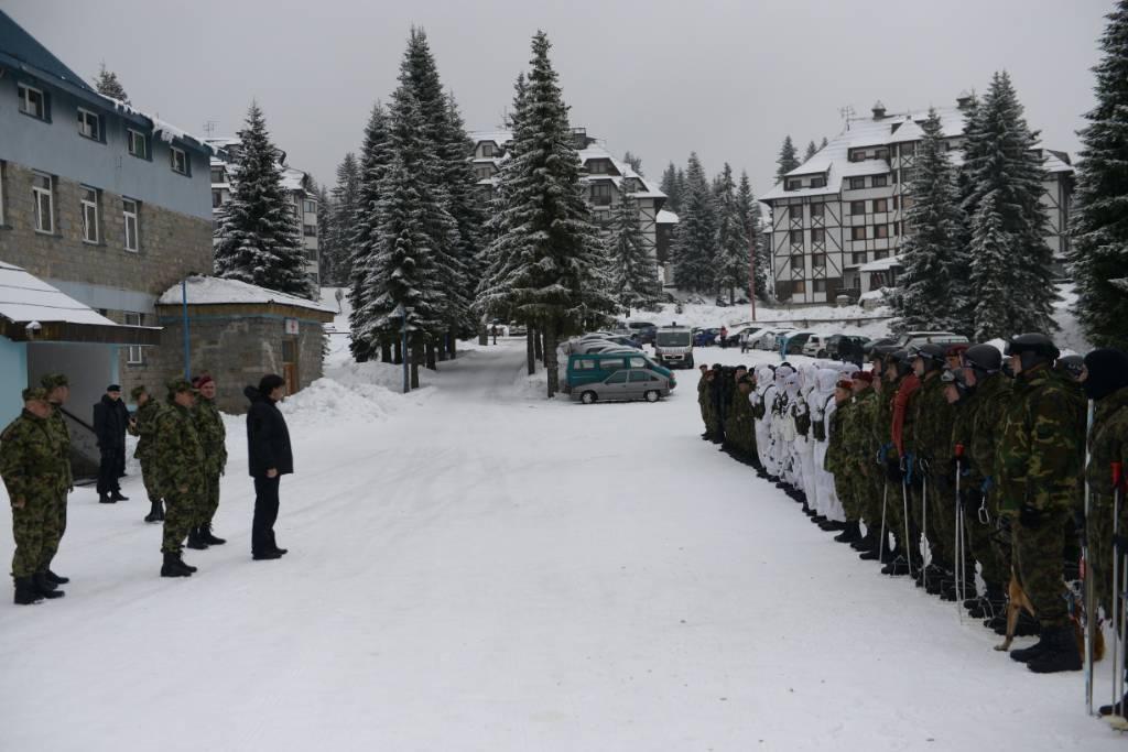 Ministar odbrane i načelnik Generalštaba obišli Specijalnu brigadu na Kopaoniku