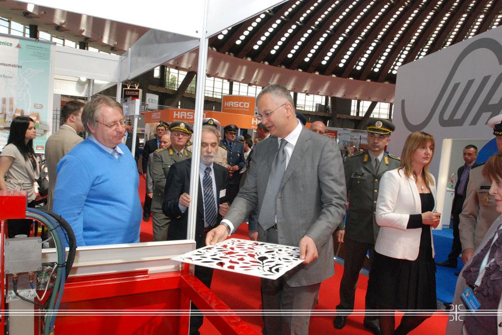 Minister Sutanovac visited the 56th International Fair of Technique