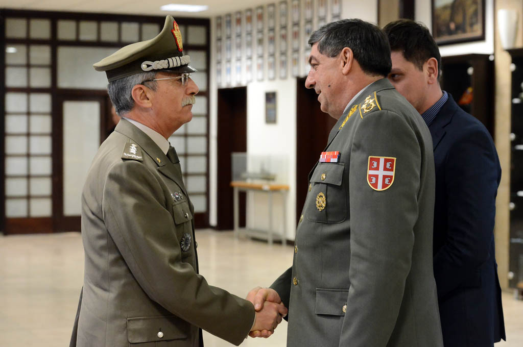 Начелник Генералштаба разговарао са начелником Штаба Команде здружених снага НАТО из Напуља