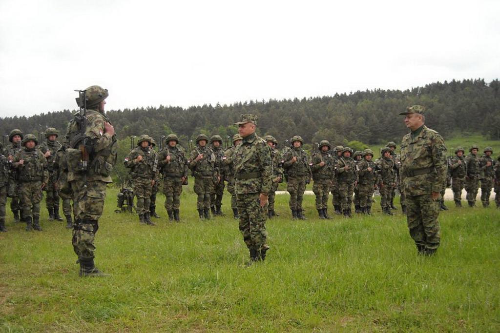 Командант Копнене војске обишао припаднике пешадијске чете на вежби у Немачкој