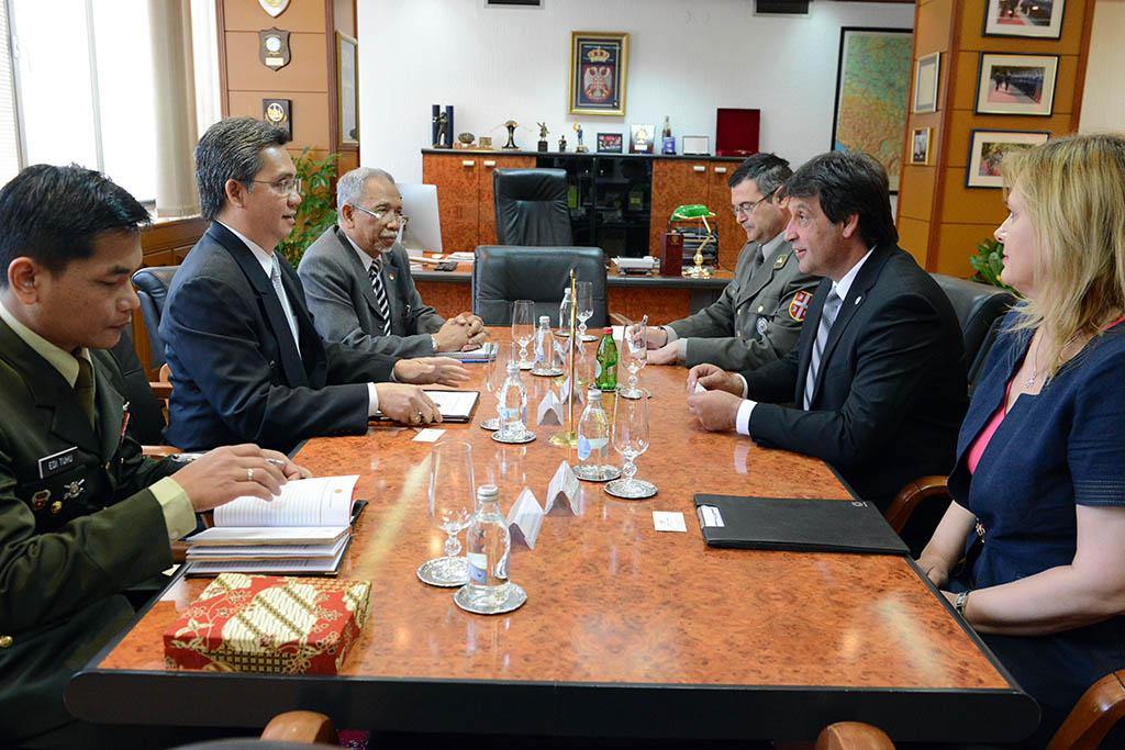 Састанак министра Гашића са амбасадором Индонезије