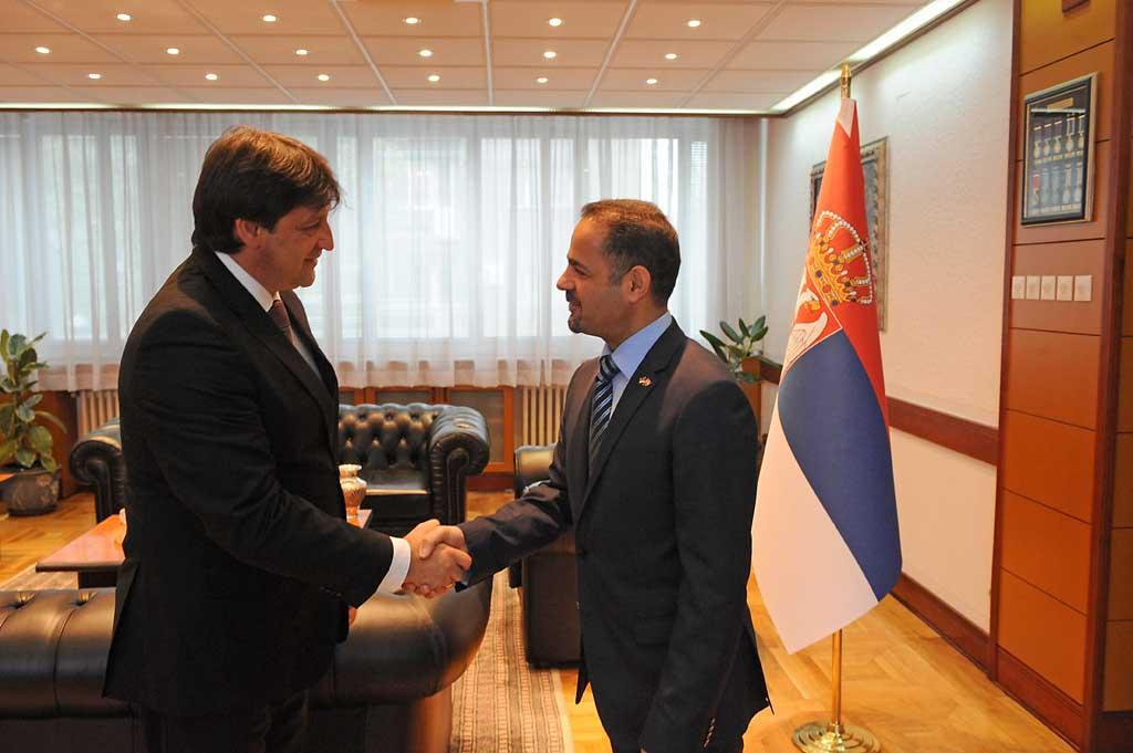 Министар одбране примио амбасадора Ирака