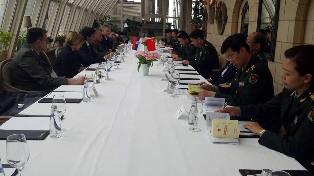 Сусрет министара одбране Србије и Кине